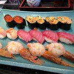 【超コスパ】毎週月曜日のみ!あの美登利寿司の食べ放題がコスパ最強でワロタww