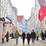 まるで絵本の世界。バルト三国のエストニア、タリンの冬の街歩き